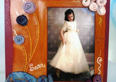 Portaretrato-primera-comunión-Sara-arrugados-artístico-único-espirales-azules