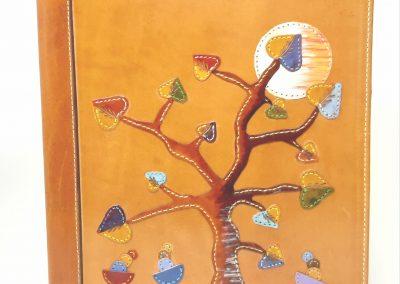 Carpeta-árbol-regalo-grupo-personalizada-cuero_2237x3031